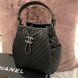 Auth. Chanel Chevron Bucket Drawstring Crossbody S